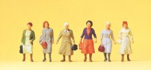 HO Scale Walking Female Workers - 14085