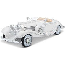 1:18 Scale 1936 Mercedes 500K Special Roadster White - 36055