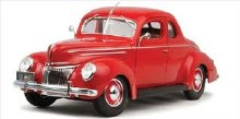 1:18 Scale 1939 Ford Deluxe Tudor Red - 31180