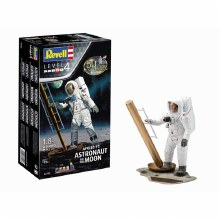 1:8 Scale Apollo 11 Astronaut On The Moon - 03702