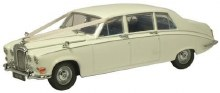 1:43 Scale Daimler DS420 Wedding Car - DS001W