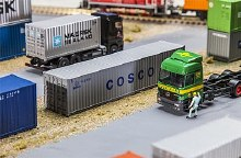 HO Scale 40' Container Cosco - 180845