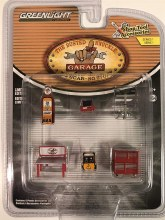 1:64 Scale Shop Tool Accessories Series 1 Busted Knuckle Garage - GL16020-B