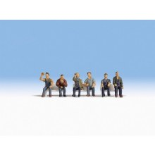HO Scale Sitting Workers without Benches - 15278