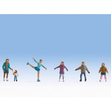 HO Scale Ice Skaters - 15824