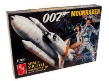 1:200 Scale Moonraker Shuttle w/ Boosters - James Bond - AMT1208