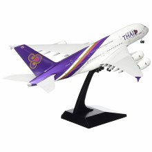 1:200 Scale A380-800 Thai Airways w/Gear - SKR331