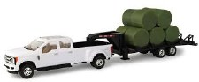 Ertl Ford Pick Up With Bales & Gooseneck Trailer 1/32