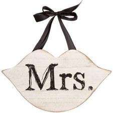 Hanging Wedding Sign- Mrs. Lips