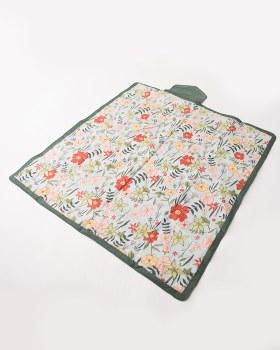 Outdoor Blanket 5x5 Primrose Patch