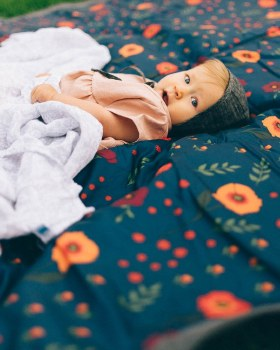 Outdoor Blanket 5x5 Midnight Poppy