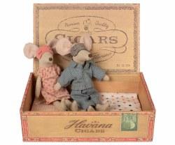 Maileg - Cigar Box Mice - Mum & Dad