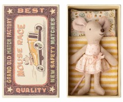 Maileg - Little Sister Mouse In Box - Polka Dots