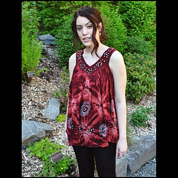 V Neck Tie Dye Top Red