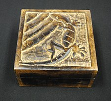 "5x5"" Mango Wood Lizard Box"
