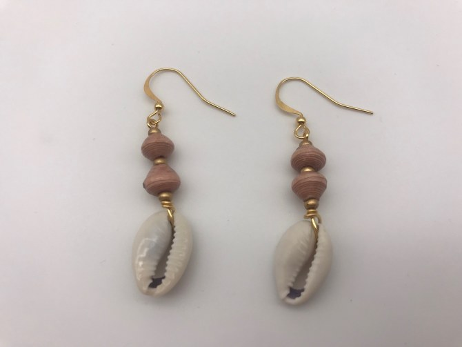 Paperchain Sauda Shell Earrings