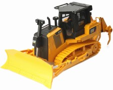 Diecast Master 1/24 Caterpillar D7E Bulldozer