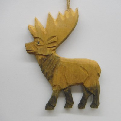 CARVED WOODEN REINDEER
