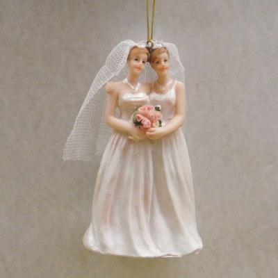 2 BRIDES  GAY COUPLE