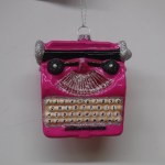 RETRO GLASS PINK TYPEWRITER