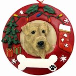 AIREDALE IN WREATH