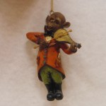 VIOLIN PLAYING MONKEY