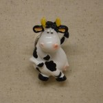 BOBBLE HEAD MILK COW MAGNET
