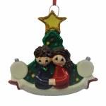 CHRISTMAS TREE WEDDNG COUPLE
