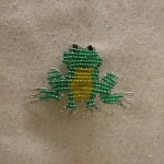 BEADED FROG MAGNET