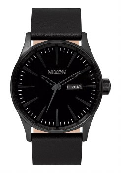 NIXON Sentry Leather 42mm in All Black
