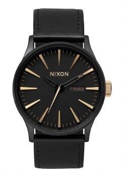 NIXON Sentry Leather 42mm in Matte Black/Goldtone