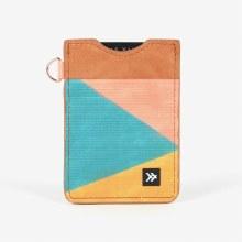 Thread Vertical Wallet Lilli