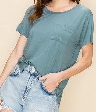 Short-sleeve High-Low Hem T-shirt w/ Pocket