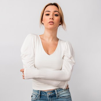 Puff Shouldered LS V-neck Crop Top