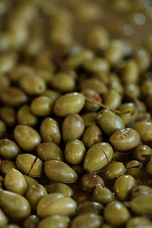 Spicy Naphlion Olives 1 lb