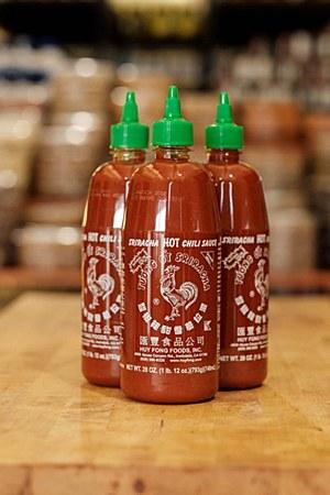 Sriracha Hot Chili Sauce 28oz