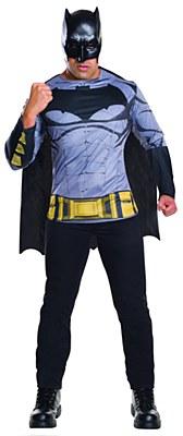 Batman Adult T-Shirt And Detachable Cape And Mask