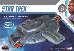 1/1000 Star Trek U.S.S. Defiant Plastic Model Kit