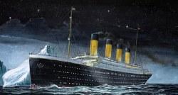 1/1200 RMS Titanic Ocean Liner Plastic Model Kit