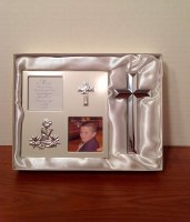 CHRISTIAN ART COMMUNION FRAME/CROSS