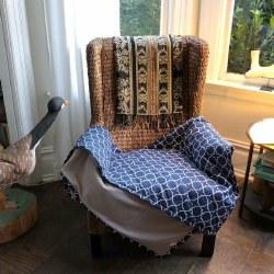 Molly Mutt - Pet Blanket - Romeo & Juliet - Large