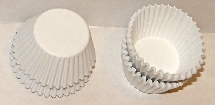 #4 White Candy Cups 80/pkg