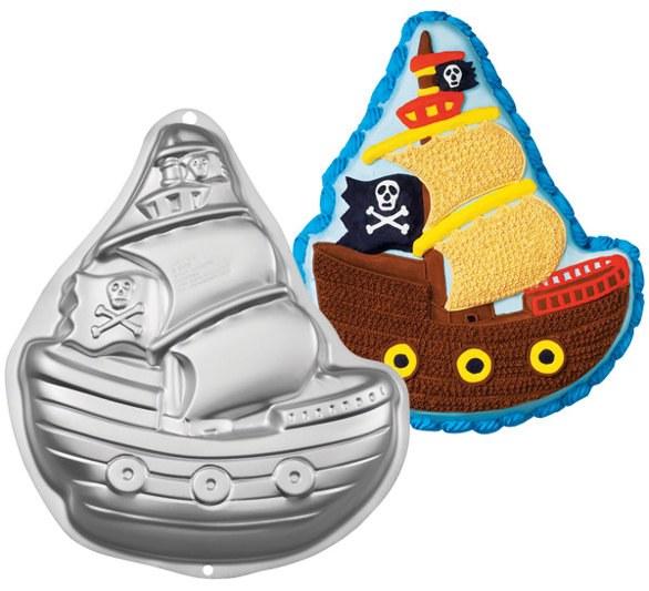 Wilton Pirate Ship Shaped Pan