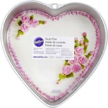 Wilton 9' Heart Pan