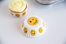 Emoji Winking Baking Cups