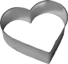 R & M International Metal Cutter: 3 1/4' Heart