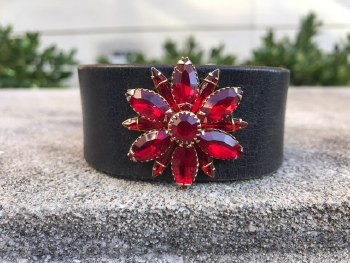 Blk Leather Crimson Flower