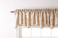 Darby Scalloped Val - Ivory