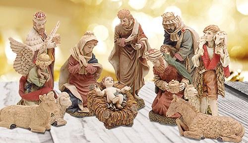 Tradional Nativity 11 Figures 30cm