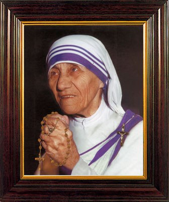 Mother Teresa Framed Print (30 x 25cm)